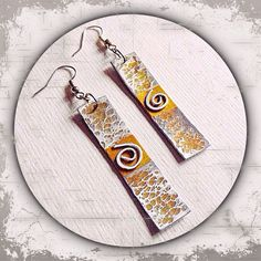 kleine Ohrringe aus Metall in silber/gold mit Verzierungen u. Prägung --- small metal earrings in silver / gold with ornaments u. Embossment - Handmade