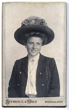 :::::::::: Antique Photograph :::::::::  Beautiful smiling woman with a great hat.