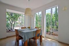 http://www.davidirozin.com/files/gimgs/35_dining-room-with-natural-light.jpg