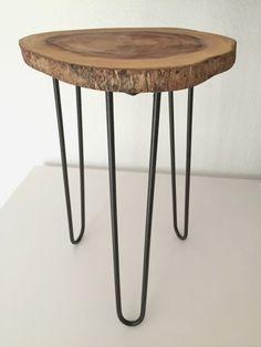Hoy comparto un DIY: una mesa auxiliar realizada con una rodaja de madera natural.