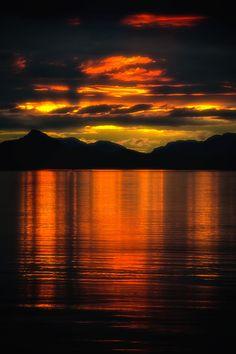 "kurifun: "" Evening glow Alaska Source: Our beautiful planet "" - Katrin Jürß - Hotel Image Nature, All Nature, Amazing Nature, Nature Pictures, Cool Pictures, Beautiful Pictures, Beautiful Sunrise, Belle Photo, Beautiful World"