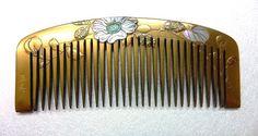 Hair comb べっ甲白蝶貝金蒔絵櫛(花文様)