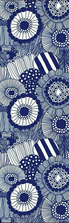 Tapet Siirtolapuutarha Panel blå från Marimekko - Tapetorama More Motifs Textiles, Textile Patterns, Textile Prints, Textile Design, Lino Prints, Block Prints, Surface Pattern Design, Pattern Art, Pattern Vegetal