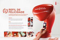 A Coca-Cola queria inserir sua marca entre os jovens de classe média que amam seus celulares, mas não podem pagar por um plano de dados generoso. Além disso, a maioria dos pontos de wi-fi no Brasil não é gratuita. Por essa razão, criou o Refil de Felicidade: uma máquina de refrigerante com um computador embutido para se conectar via Wi-Fi ao browser da Coca-Cola (APP). Em vez de oferecer refrigerante, a máquina enche os celulares com créditos de dados grátis. Através do aplicativo Refil de…