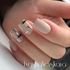 "1,220 Me gusta, 3 comentarios - Маникюр / Ногти / Мастера (@nail_art_club_) en Instagram: ""Repost @lyasha_nevskaya ・・・ А не перейти ли с вензелей на геометрию #nails #nailart #instagood…"""