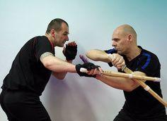 Wing Tai   Kampfkunst mit Waffen - Wing Tai Berlin