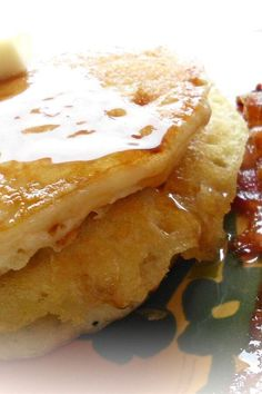 """My-Hop Pancakes   """"Great pancake recipe! I didn't change a thing! There's nothing better on a Sunday morning than the smell of a home cooked breakfast and freshly brewed coffee. """" #copycat #copycatrecipes What's For Breakfast, Breakfast Recipes, The Pancake House, Tasty Pancakes, Yum Food, Sunday Morning, Copycat Recipes, Recipes Dinner, Food Ideas"""