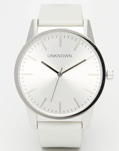 UNKNOWN  Classic  Leather Strap Watch £80.00
