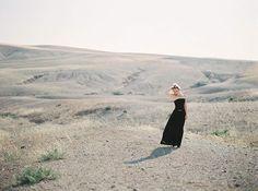Kwarantanna daje nam dużo wolnego czasu dzięki czemu możemy po nadrabiać blogowe zaległości. Dziś mała zapowiedź Marokańskiej sesji portretowej z pustyni Agafay w 100% sfotografowanej na kliszy filmowej. Jesteście jej ciekawy?  #fineartcurration #filmphotography #jamstudiopl #fineartweddingphotographer #contax645 #fujipro400h #moroccoweddingphotographer #ishootonfilm #filmphotographer #moroccoweddingplanner #destinationfilmweddingphotographer #destinationweddingphotographer… Malaga, Weddings, Couple Photos, Couples, Photography, Couple Shots, Photograph, Wedding, Fotografie