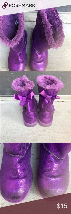 Metallic purple girls boots sz 2 Metallic ourple girls, fur lines, boots in sz 2 from Nordstrom Rack. Shoes Boots