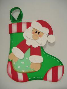 Enfeite de Natal confeccionado com EVA e fitinha para pendurar. Ideal para deixar a sua casa ainda mais charmosa nesse Natal! R$ 6,00