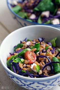 Dinkelsalat mit Rotkohl, Feta und Feldsalat | Madame Cuisine Rezept