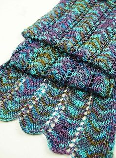 Simple Chevron Scarfby Aimee Alexander - this pattern is available for a wee fee, For more information, see: http://www.polkadotsheep.com/simple-chevron/ Note: pic © getknitty
