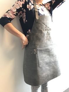 Gepersonaliseerd leren schort - mooi cadeau idee! Waist Skirt, High Waisted Skirt, Skirts, Fashion, Moda, High Waist Skirt, Skirt Outfits, Fasion, Skirt