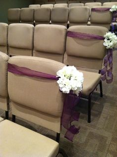 Purple and hydrangea pew bow. Works great on chairs. By Exquisite Events, Bismarck ND