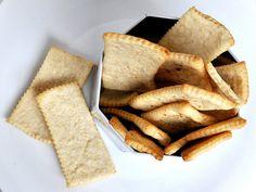 I bambini sono pazzi dei cracker, li adorano soprattutto a merenda! Ovviamente non potevano mancare i cracker Bimby! Economici e veloci da fare a casa