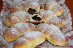 Desať receptov na plnené rožteky - Žena SME Small Desserts, Low Carb Desserts, Sweet Desserts, Sweet Recipes, Cake Recipes, Slovak Recipes, Czech Recipes, Sweet Pastries, Bread And Pastries