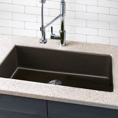 Highpoint Collection Granite Composite 33-inch Single Bowl Undermount Kitchen Sink in Brown