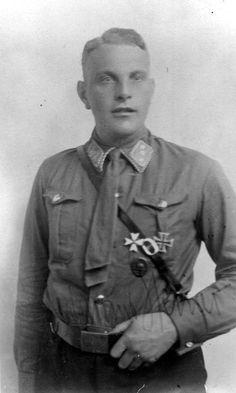 """* Edmund Heines *  (21/Julho/1897 - 30/Junho/1934). Integrante das """"SA"""", homossexual preso e executado no episódio conhecido como """"A Noite das Longas Facas""""."""