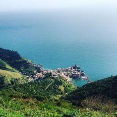 A beautiful view of #vernazza  #whp #wanderlust #worldplaces #worldexploremag #expediapic #travelwhattodo #traveltheworld #travelandlife #thewhisperers #traveldeeper #travelstoke #TLPicks #ig_worldclub #instagood #onetwotrip #postcardsoftheworld #bbctravel #beautifuldestinations #natgeotravel #magicalmoments #splendid_earth #exploreeverything #huffpostgram #justgoshoot #passionpassport #travelphotography #cinqueterre #vernazza by jennifredfrandu