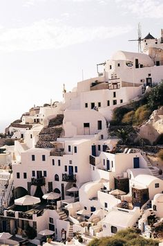 #travelling, #summer - I don't know where exactly this place might be (looks like Greece) but it's absolutely stunning!
