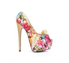 Pantofi Edera Bej -  Material Textil  Colectia Incaltaminte de la  www.cadoupentruea.ro Louboutin Pumps, Christian Louboutin, Heels, Fashion, Heel, Moda, Fashion Styles, Shoes Heels, Fasion