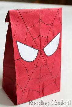 21 Spiderman-Geburtstagsfeier-Ideen - Pretty My Party - Party-Ideen - - Diy Birthday Party Favors, Superhero Birthday Party, 6th Birthday Parties, Party Favor Bags, Goody Bags, Birthday Cupcakes, Birthday Decorations, Spiderman Birthday Ideas, Birthday Gifts