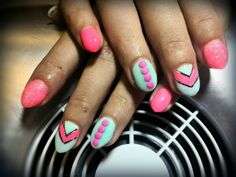 Pink and mint nails 😃 Mint Nails, Pink, Beauty, Perfect Nails, Pink Hair, Beauty Illustration, Roses