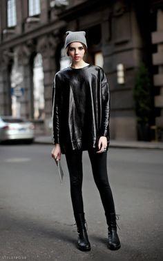 All black outfit / Street style fashion / fashion week week Grunge Style, Soft Grunge, Street Chic, Street Wear, Love Fashion, Womens Fashion, Style Fashion, Fashion Shoes, All Black Outfit