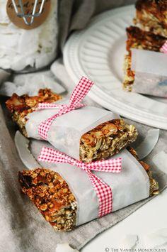 Glutenfree Sugarfree Coconut Almond Granolabars! (thevanillamonologues.blogg.no)