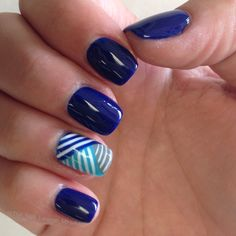 Blue abstract lines nail art design