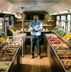 Charging well-off patrons more allows St. Louis' MetroMarket to sell groceries to the most food insecure at cost. Vegetable Shop, Vegetable Stand, Food Cart Design, Food Truck Design, Kombi Food Truck, Fruit And Veg Shop, Vegan Food Truck, Mobile Food Cart, Organic Supplies