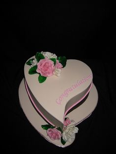 Abstract Heart cake by Designer Cakes By Effie, via Flickr