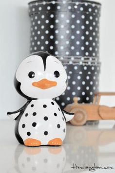 Sparbössa - Pingvin  ペンギン (jp) Pinguin (de) penguin (en) 펭귄 새 (kr) manchot (fr) pinguino (it) pingvin (se) pinguim (pt)葡 pingüino (es)西 pinguïn (nl)荷