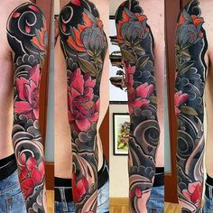 Floral Japanese tattoo sleeve. I'm really digging the pink color contrast against the black. Super cool