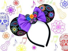 Lots of Coco ears going out tomorrow with this gorgeous brooch from 💜 background made with Diy Disney Ears, Disney Minnie Mouse Ears, Disney Diy, Disney Crafts, Disney Land, Disney Headbands, Ear Headbands, Headband Crafts, Adornos Halloween