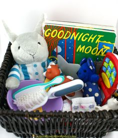 A Goodnight Moon storytelling basket is a fun way to interact with the story. It& perfect for babies. Older kids will love it, too. Preschool Literacy, Preschool Books, Early Literacy, Literacy Activities, Kindergarten, Literacy Bags, Moon Activities, Language Activities, Infant Activities
