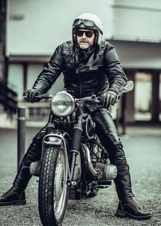 W&W 2015 Laurent Nivalle Grizzly Ride Bagger Motorcycle, Motorcycle Types, Motorcycle Design, Bike Design, Motos Vintage, Vintage Motorcycles, Custom Motorcycles, Indian Motorcycles, Style Moto