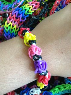 Rubber band bracelet Loom Love, Fun Loom, Loom Band Bracelets, Rubber Band Bracelet, Rubber Band Crafts, Rubber Bands, Crafts For Kids, Arts And Crafts, Diy Crafts