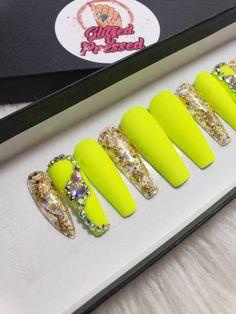 awesome acrylic nail designs ideas for this summer 2020 page 1 Gem Nails, Bling Nails, Swag Nails, Toe Nail Designs, Acrylic Nail Designs, Neon Green Nails, Finger, Natural Nail Designs, Exotic Nails