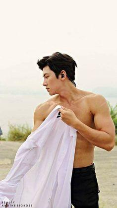 I didnt really feel like watching this show. but JCW is so RIPPED. Hot Korean Guys, Korean Men, Hot Guys, Ji Chang Wook Smile, Ji Chan Wook, Handsome Korean Actors, Handsome Boys, Ji Chang Wook Photoshoot, All Korean Drama