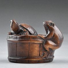 2'' Japanese Carving turtle & frog Sculpture Boxwood Wood Netsuke Sign