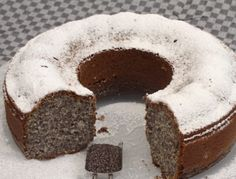 Für den Mohn-Joghurtkuchen Öl, Staubzucker, Vanillezucker und Dotter schaumig … Beat the oil, icing sugar, vanilla sugar and yolk until foamy for the poppy seed yoghurt cake. The baking powder in the flour Moist Carrot Cakes, Yogurt Cake, Egg Recipes For Breakfast, Sweets Cake, Fancy Cakes, Cake Creations, Cake Cookies, Yummy Cakes, Cake Recipes