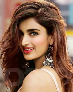 Become Beautiful With These Tips And Tricks Beautiful Bollywood Actress, Most Beautiful Indian Actress, Beautiful Asian Girls, Beautiful Actresses, India Beauty, Asian Beauty, Bollywood Girls, Bollywood Stars, Mode Editorials