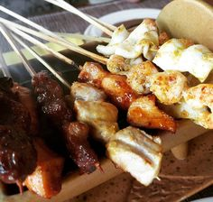 """Bali BBQ flashback or the day I loved chicken bug tine until my wife told me """"you know that you're eating squid?"""" Fun times  #teambbqwarriors #protein #healthy #fitfam #flashback  #eatclean #cleaneating #bali #fit #gains #nutrition #health #lowcarb #fitlife #healthyeating #healthyfood #memories #gainz #bbq #fuel #honeymoon #gymlife #chicken #homemade #foodie #food #foodgasm #foodporn #fitnesslifestyle"""