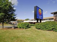 Ottawa (ON) Comfort Inn Ottawa West- Kanata Canada, North America Set in a prime location of Ottawa (ON), Comfort Inn Ottawa West- Kanata puts everything the city has to offer just outside your doorstep. Featuring a complete list of amenities, guests will find their stay at the property a comfortable one. Facilities like 24-hour front desk, facilities for disabled guests, Wi-Fi in public areas, car park, meeting facilities are readily available for you to enjoy. All rooms are ...