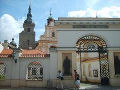 plzeň Františkánský kostel Church Building, European Countries, Eastern Europe, Czech Republic, Prague, Beautiful Landscapes, Brewery, Castle, Mansions
