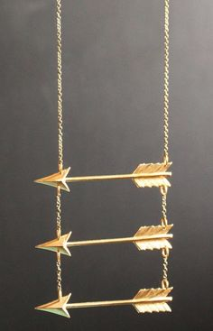 Go Your Own Way // triple #arrow necklace #designtrend