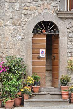 Life in a hilltown: Vitorchiano, Lazio, Italy www.leterrae.com #leterrae