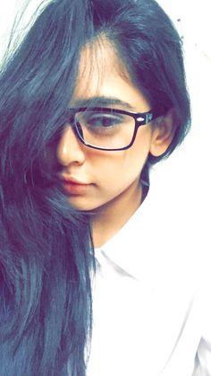 Beautiful Girl Makeup, Beautiful Girl Indian, Most Beautiful Indian Actress, Beautiful Girl Image, Teenage Girl Photography, Photography Poses Women, Stylish Girl Images, Stylish Girl Pic, Cute Girl Poses